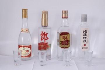 """谁是光瓶酒""""性价比之王""""?春节口粮酒""""四大天王""""测评PK"""